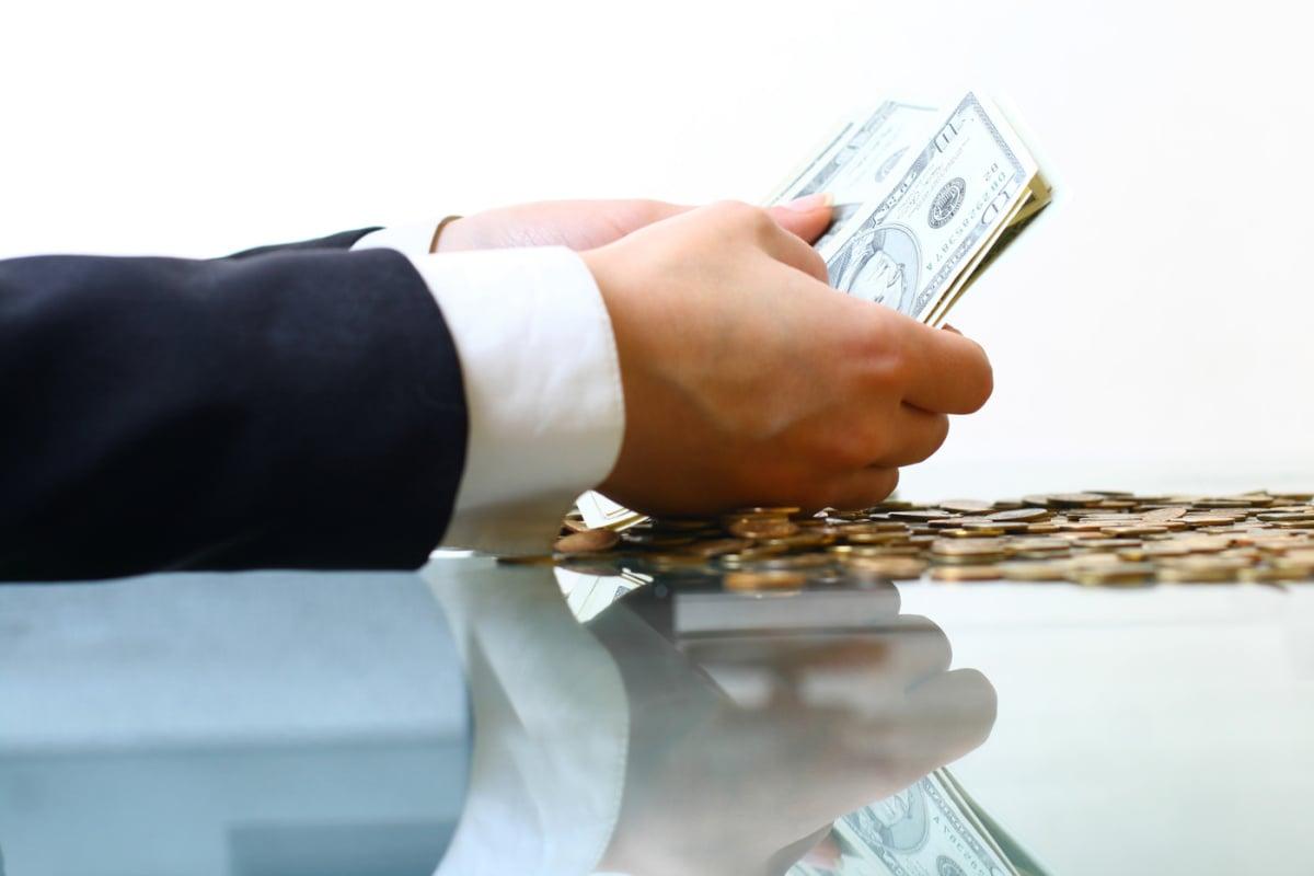 Bitfinex pagará su deuda con acciones