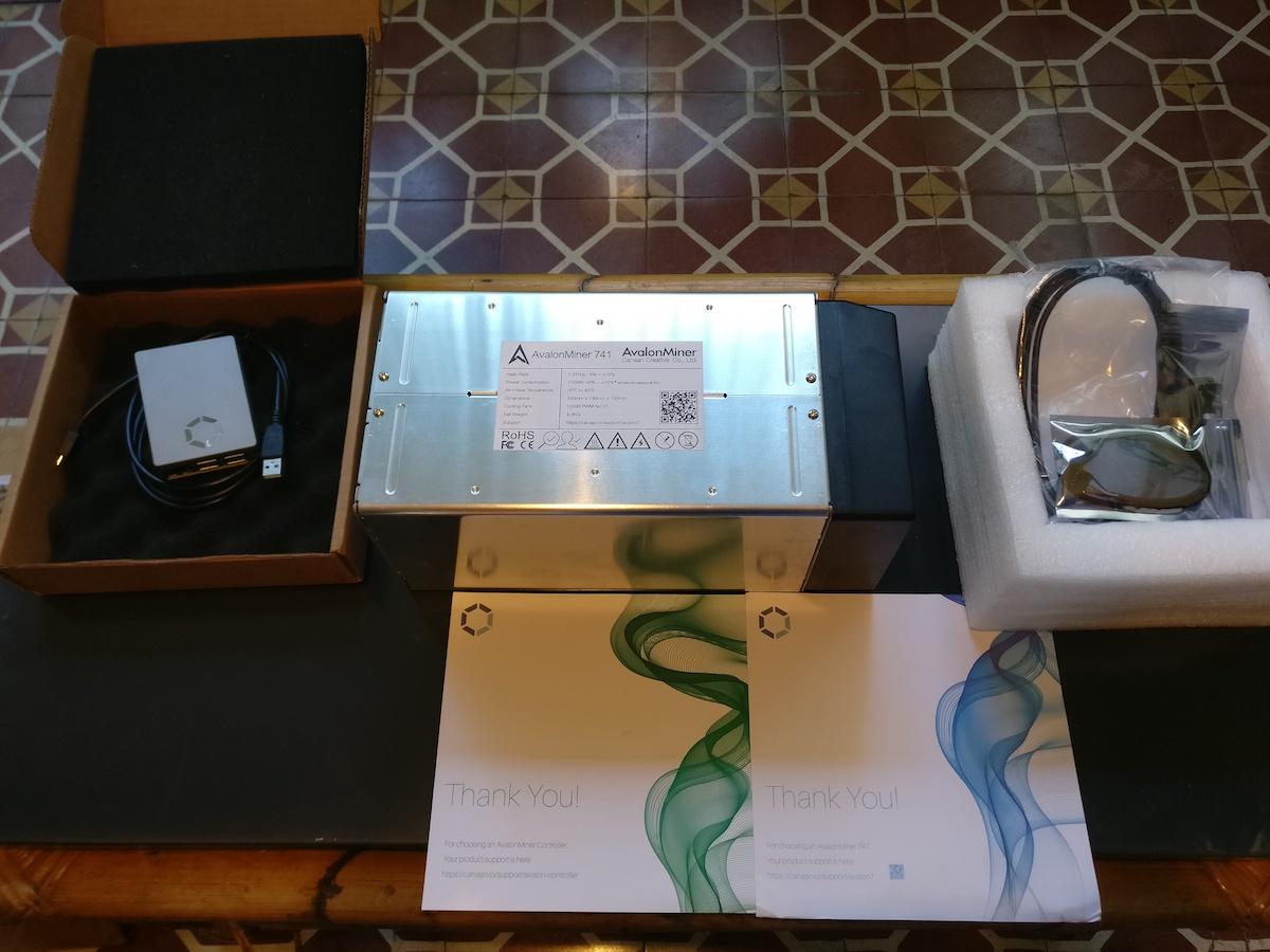 AvalonMiner 741, controlador, bitcoins