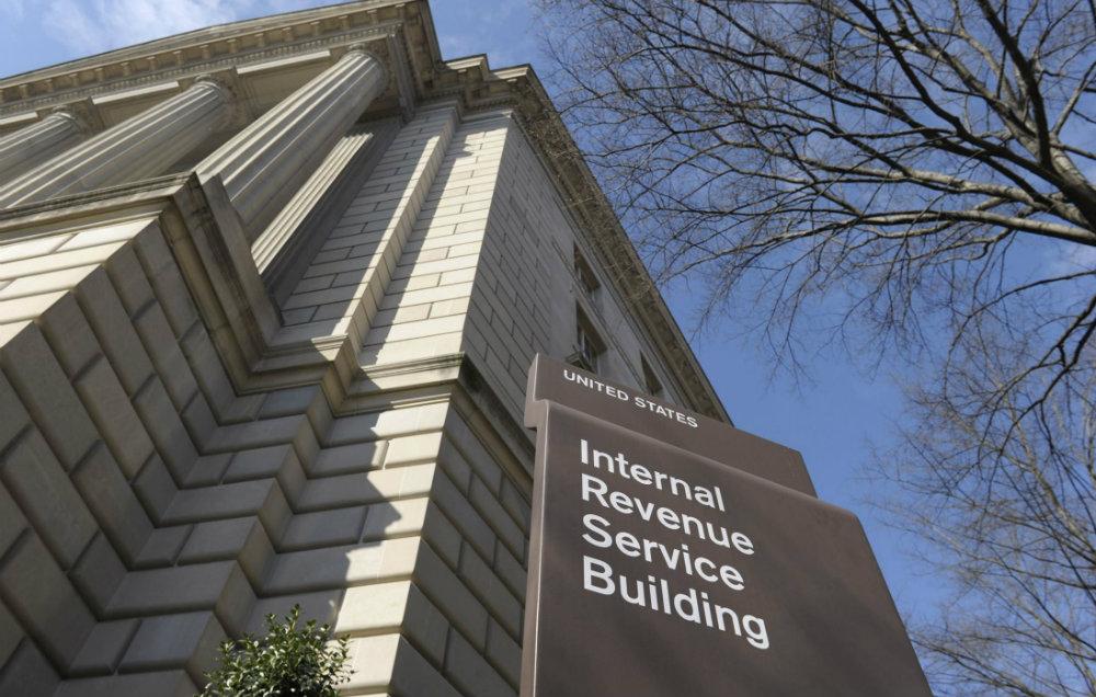 IRS Impuestos Coinbase Regulacion EEUU