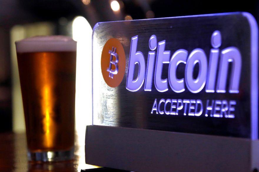 Deloitte-pagos-Bitcoin-restaurante