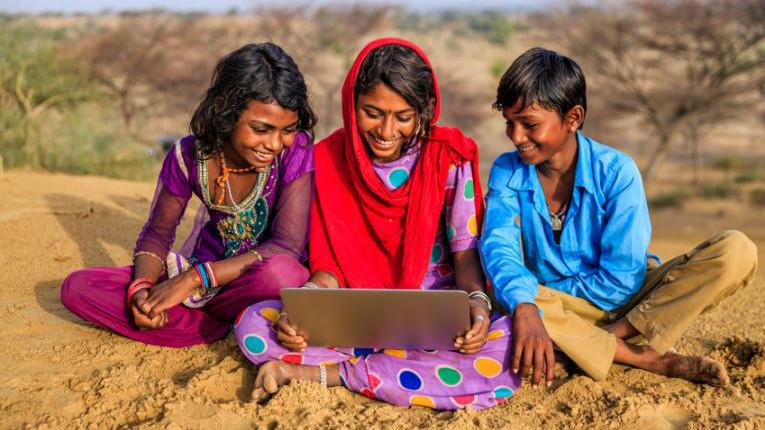 crecimiento-tecnologico-india-abre-posibilidades-adopcion-abierta-blockchain-criptomonedas