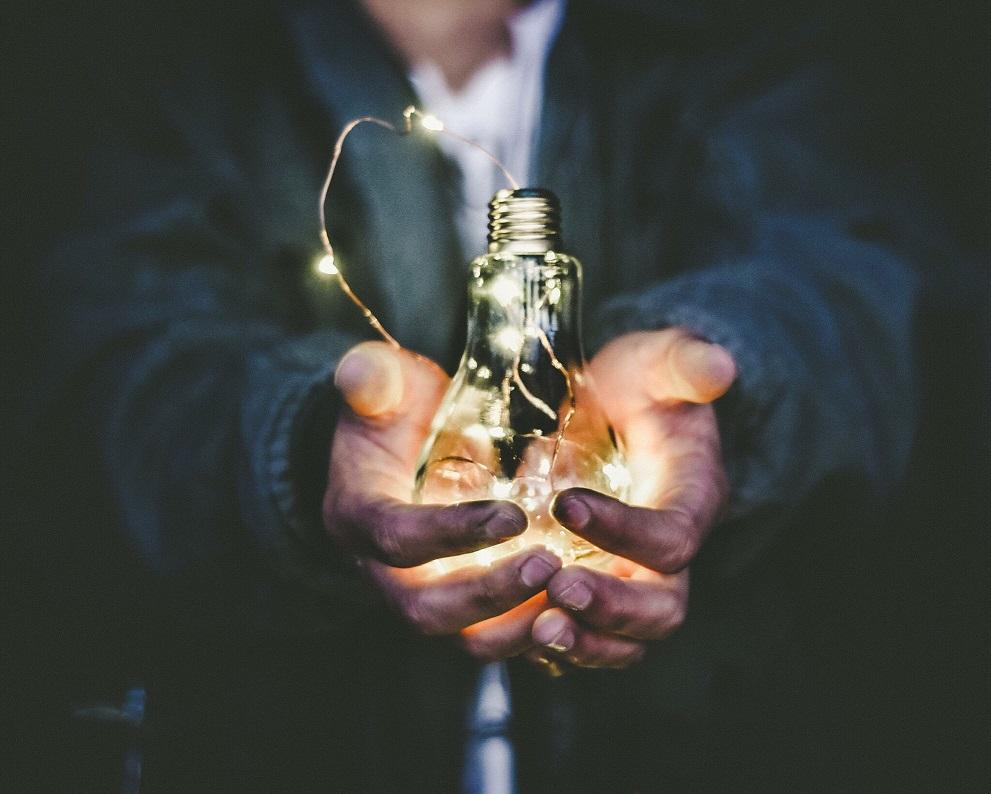Blockchain-energía-eléctrica-aplicaciones-innovación