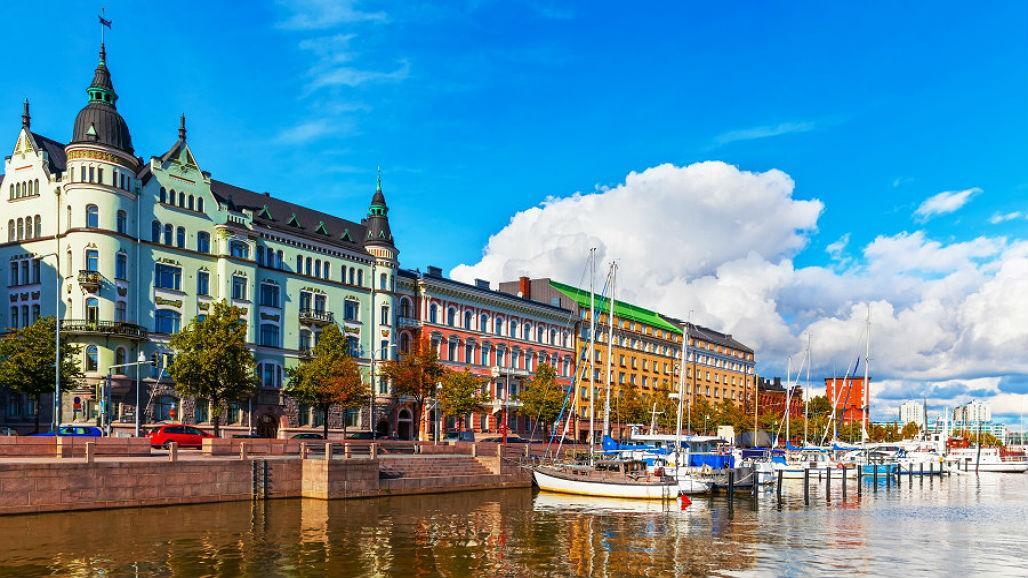 Finlandia-refugiados-tarjetas-blockchain