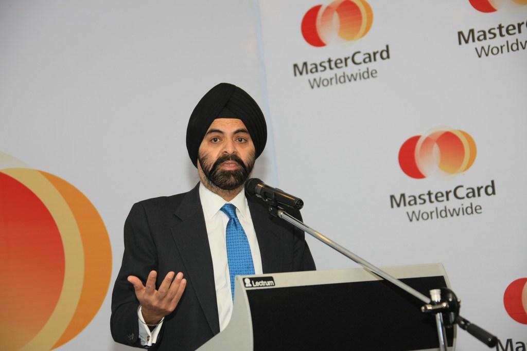 ajay banga, ceo mastercard, pago criptomonedas, bitcoin mastercard