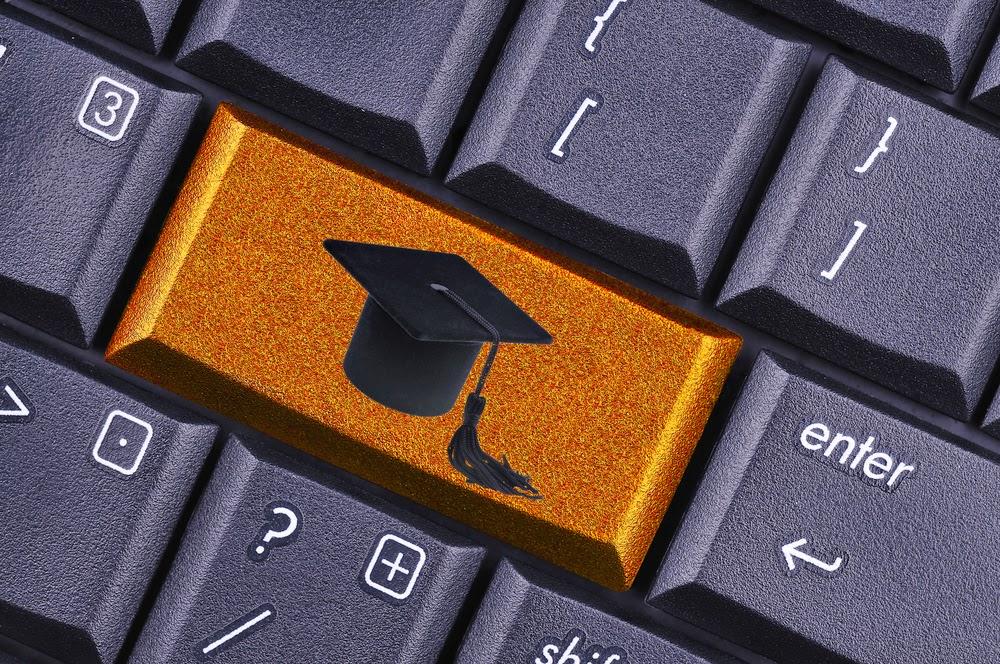 educacion-criptomonedas-bitcoin-pago-matricula-postgrado