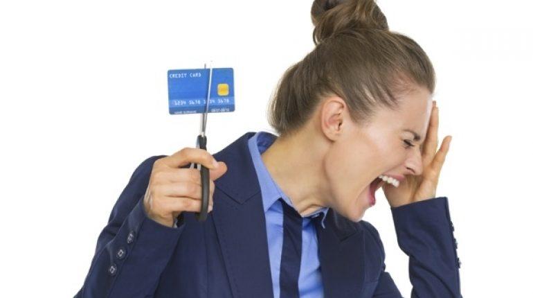 Bancos-prohíben-tarjetas-criptomonedas