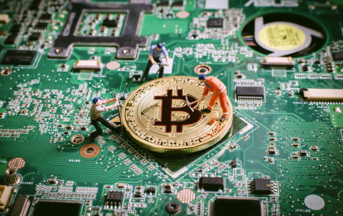 bitcoin-minería-equipo-criptomonedas