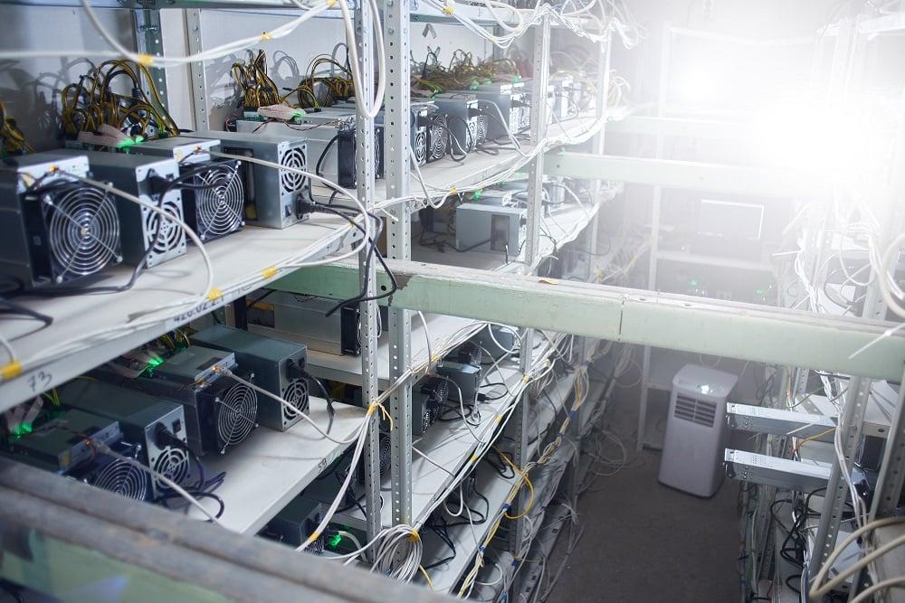 minero-granja-mineria-criptomonedas-avalon-canaan-bitcoin