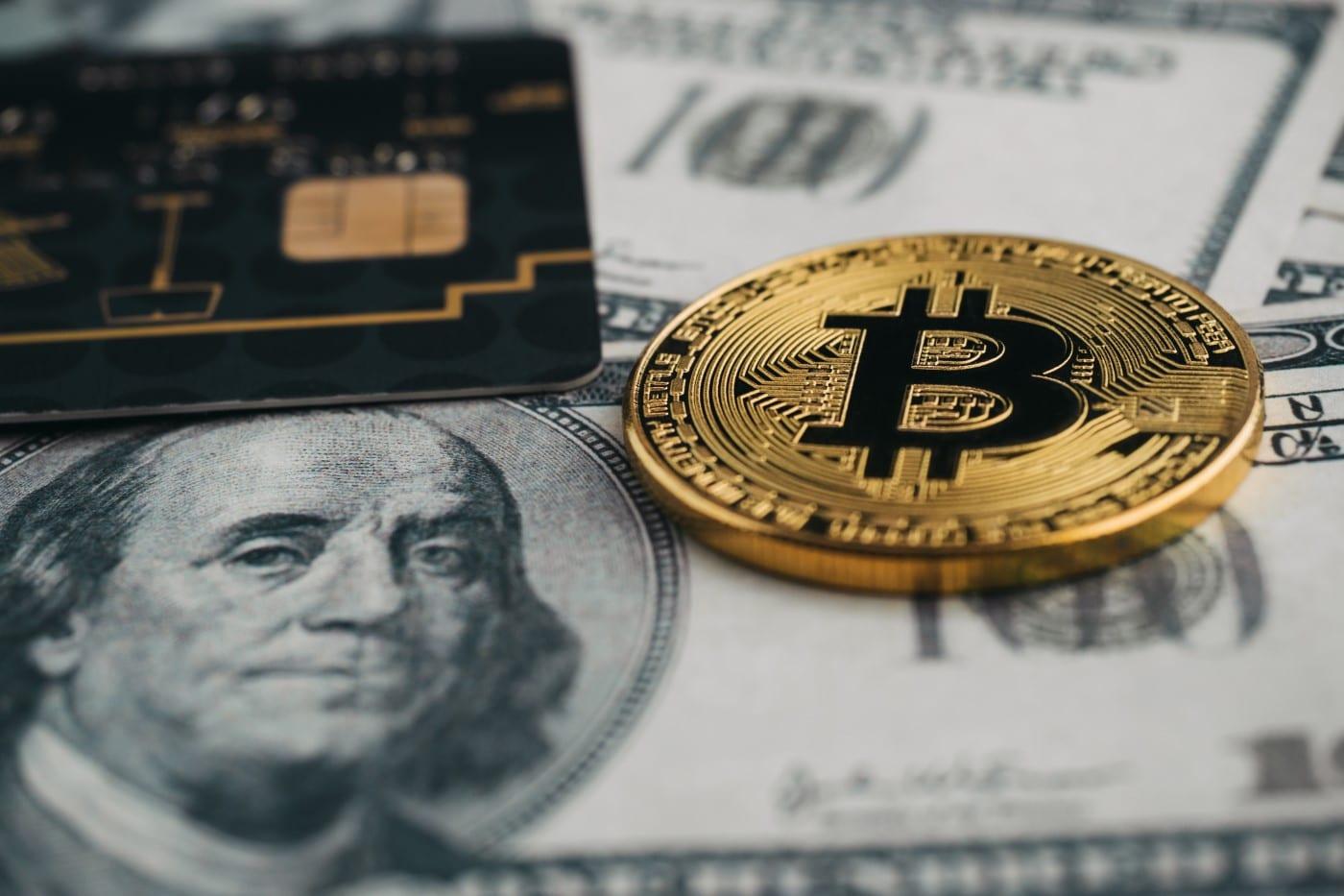 tarjeta-creditos-bitcoin-dinero