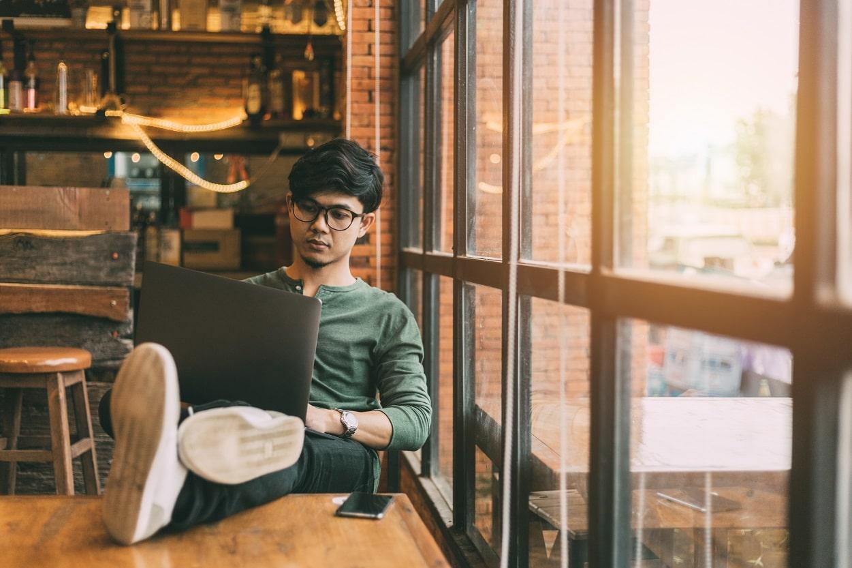 crowdsourcing-trabajo-bitcoin-cash-freelance