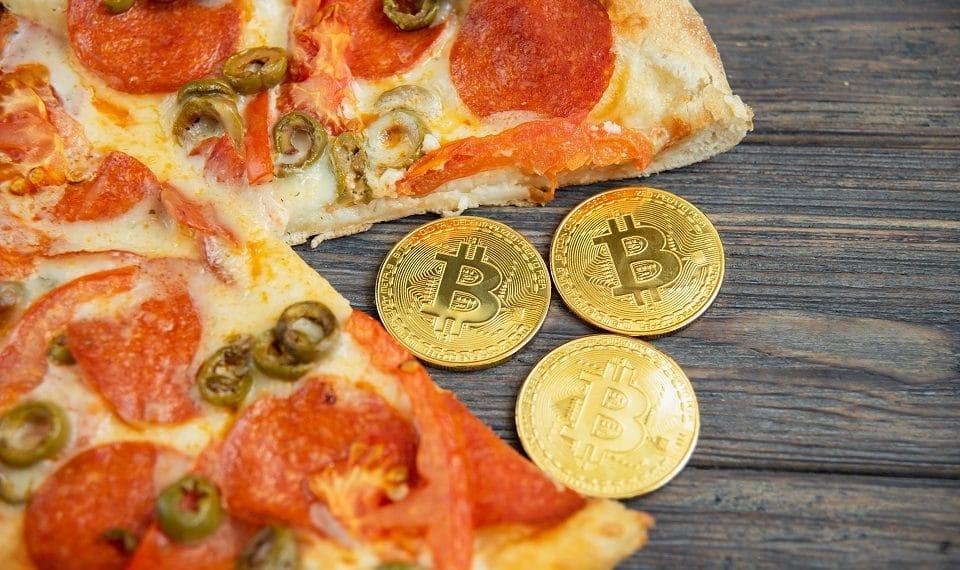 A nueve años de las primeras pizzas pagadas con bitcoin ...