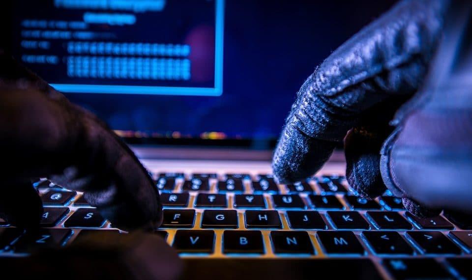 hackers-transfieren-bitcoins-robo-Binance