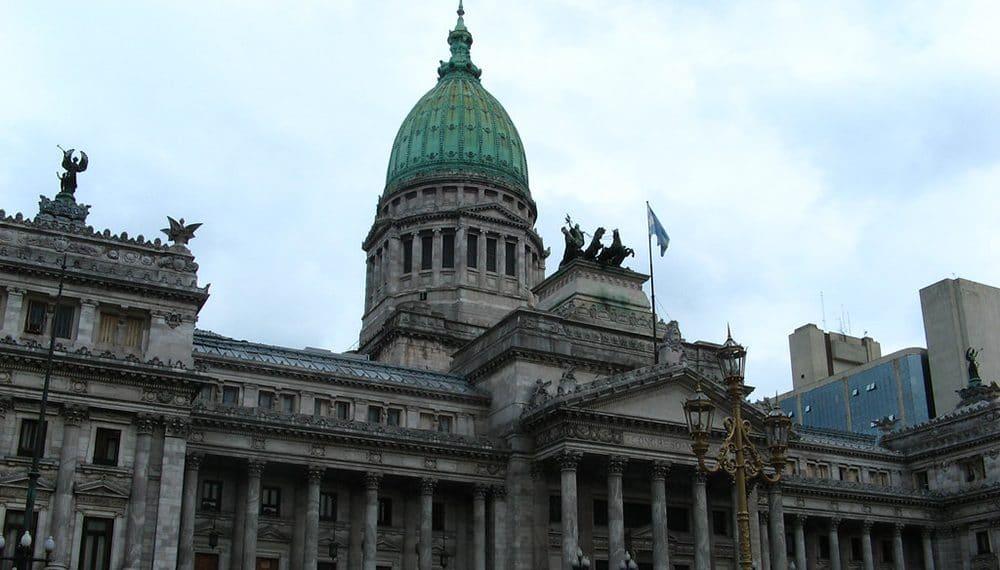 Ley-criptomonedas-estudiantes-Argentina
