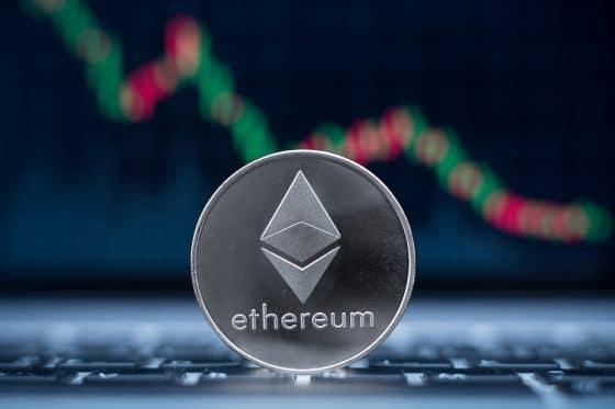 Capitalización efectiva de Ethereum desciende más de 30% en un año