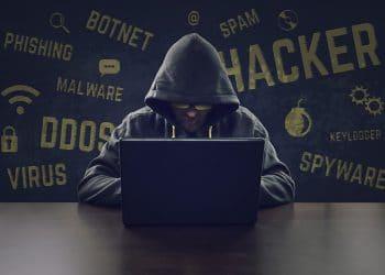 Hacker-malware-crytojacking-robar-criptomonedas