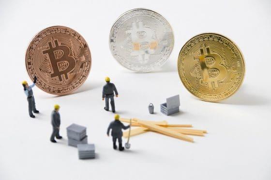 Cuatro fabricantes concentran el 95% del mercado de equipos de minería de Bitcoin