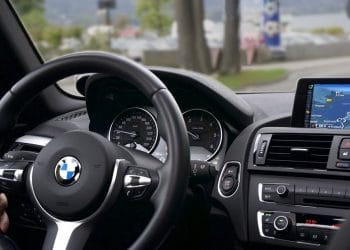 BMW trabaja en el establecimiento de estándares de identidad digital para vehículos con blockchain. Fuente: Pexels /pixabay.com
