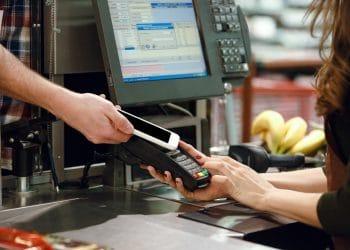 La aplicación permite que los comerciantes puedan cobrar sus artículos en moneda fiduciaria. Fuente: vadymvdrobot/elements.envato.com