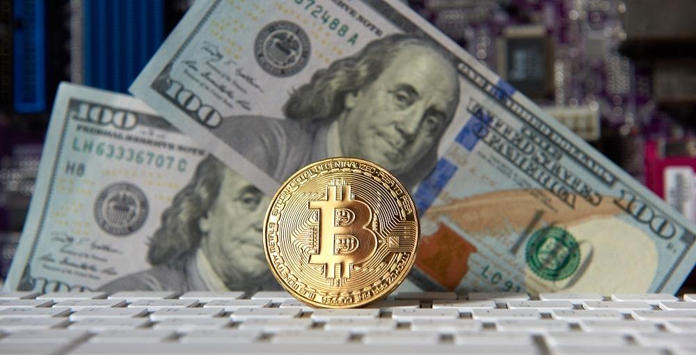 Los portales de monitoreo del dólar paralelo en Venezuela usan a bitcoin como referente. Fuente: byrdyak/elements.envato.com