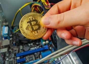 equipos minería halving bitcoin rentabilidad