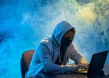 Los hackers adulteraron los mensajes de los canales y solicitaban el envío de criptomonedas a una dirección de BTC. Fuente: master1305/elements.envato.com