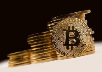 Luego de la baja de las semanas anteriores, el precio de bitcoin crece lentamente. Fuente: stokkete/elements.envato.com