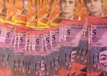 Serie de pintura sobre billetes venezolanos Los Deplorables, de Tom Badley. Imagen cortesía Tom Badley