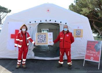 Con las donaciones en bitcoin, la Cruz Roja italiana erigió un Puesto Médico Avanzado (PMA) en un pueblo cerca de Roma. Fuente: @Helperbit/twitter.com