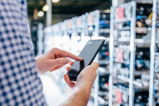 HTC lanzará aplicación para minería de criptomonedas en teléfonos móviles