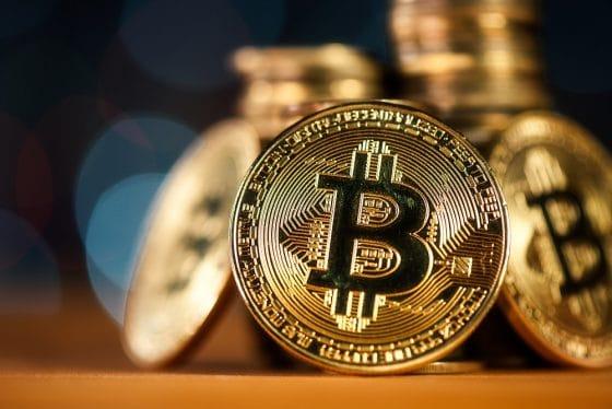 Bitcoin registra una caída de casi 9% en los últimos 7 días