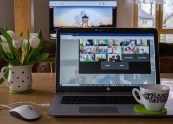 Sesión abierta para videoconferencias en línea. Fuente: Armin Schreijäg/pixabay.com