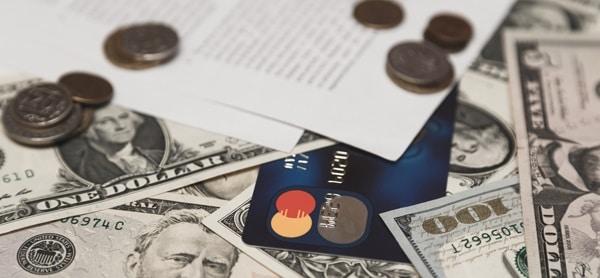 Dinero digital y físico