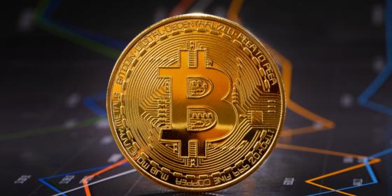 Bitcoin de regreso en los 10.000$ a días del halving