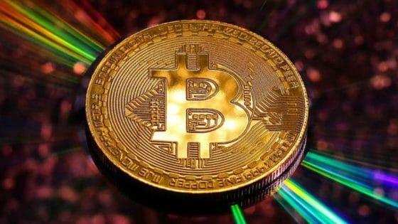 Precio de bitcoin podría caer luego del halving, según datos históricos