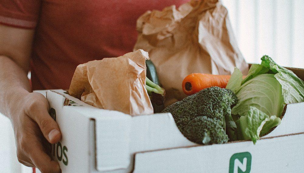 Entrega de caja de productos a domicilio/Imagen:  Lisa Fotios/pexels.com