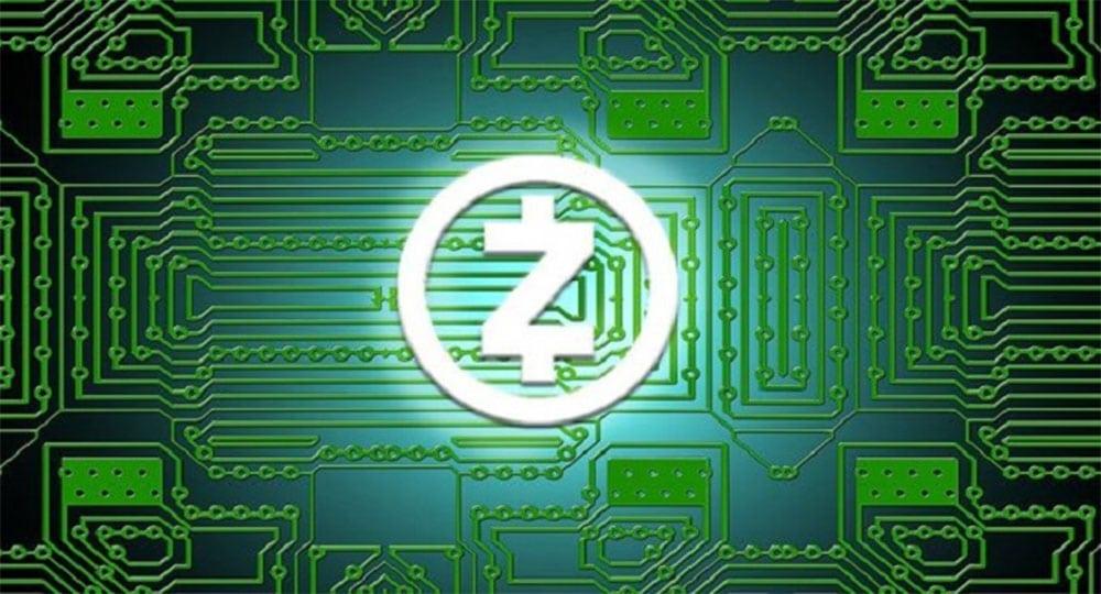 Logo de Zcash sobre esquema de circuito integrado. Fuente: hashgains.com