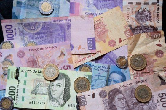 Mientras el peso de México ha perdido 21,5% en 2020, bitcoin se revaloriza casi 20%