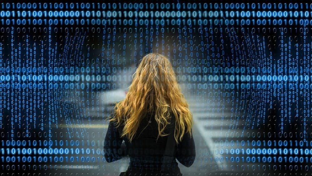 privacidad-mujer-camino