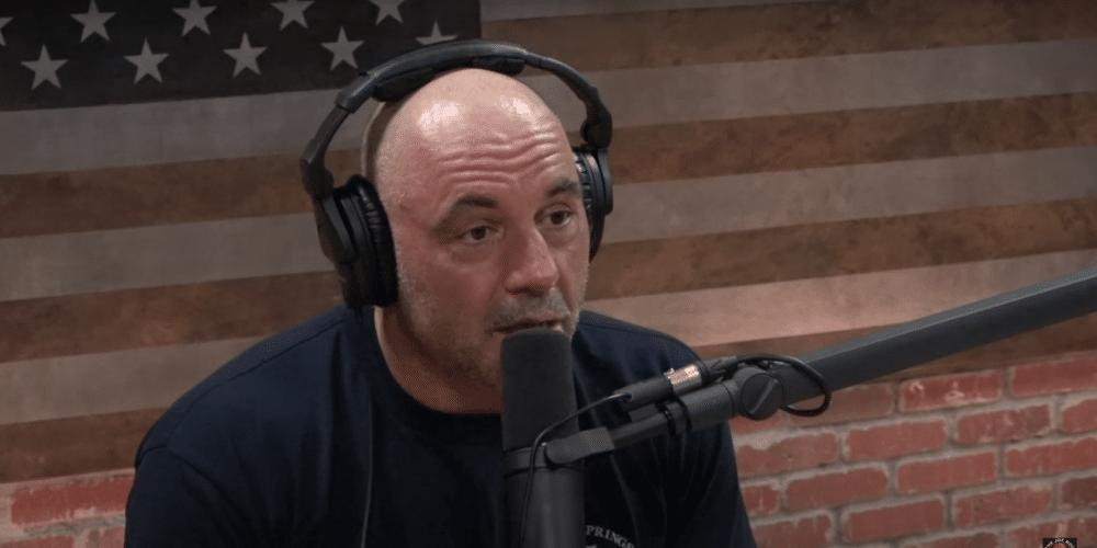 Joe Rogan posee uno de los podcast más populares de Estados Unidos. Fuente: Captura de pantalla Youtube.