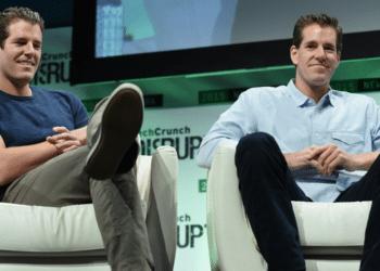 Cameron y Tyler Winklevoss en una conferencia de TechCrunch. Fuente: TechCrunch/ Wikipedia.