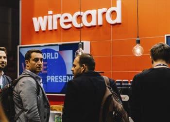Personas frente a la franquicia de Wirecard. Fuente: Web Summit/flickr.com