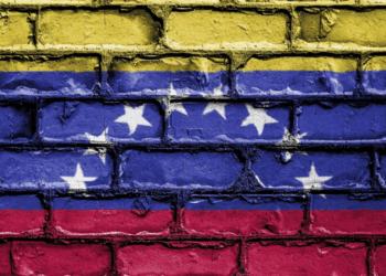 Pared con la bandera de Venezuela. Fuente: David_Peterson/ Pixabay.com