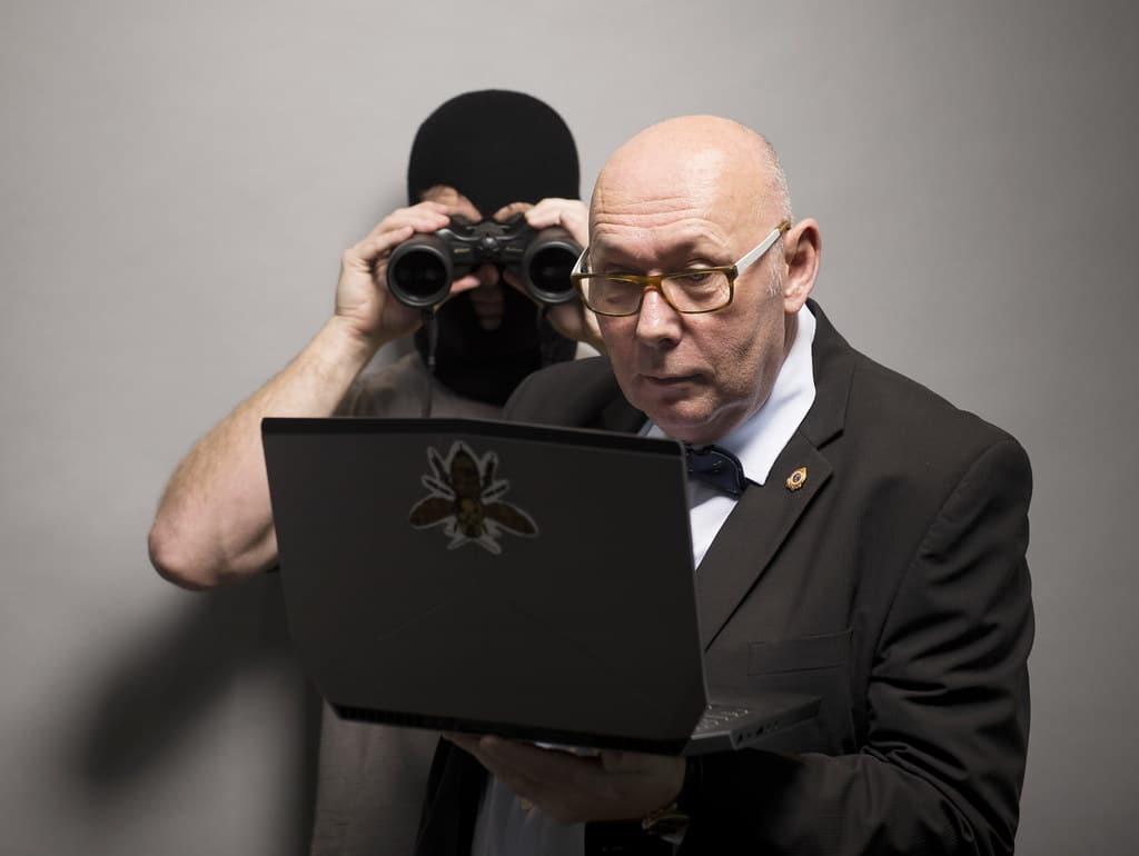 hack-funcionario