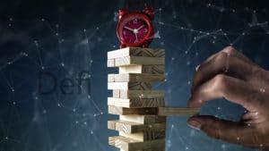 Imagen torre jenga de riesgos de finanzas descentralizadas