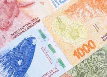 Acercamiento a billetes argentinos de diferente denominación. Fuente:   johan10 /  elements.envato.com