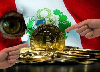 Manos señalando moneda de Bitcoin con bandera de Perú de fondo. Composición por CriptoNoticias. wirestock / Freepik.com; Rocheva / Pixabay.com; Tumisu / Pixabay.com; anankkml / elements.envato.com