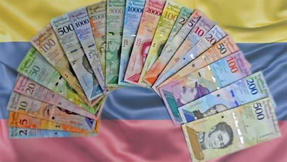 Gobierno de Venezuela planea imprimir billetes que no alcanzarían ni para un pasaje