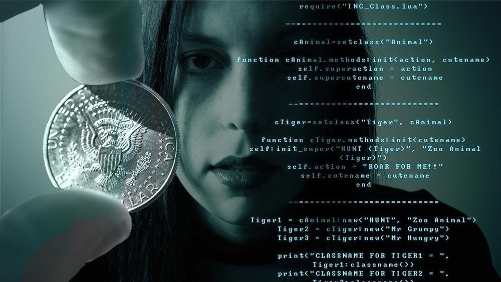 Mano sosteniendo moneda frente a mujer con datos personales. Composición por CriptoNoticias. gagnonm1993  / Pixabay.com ; duallogic /  elements.envato.com