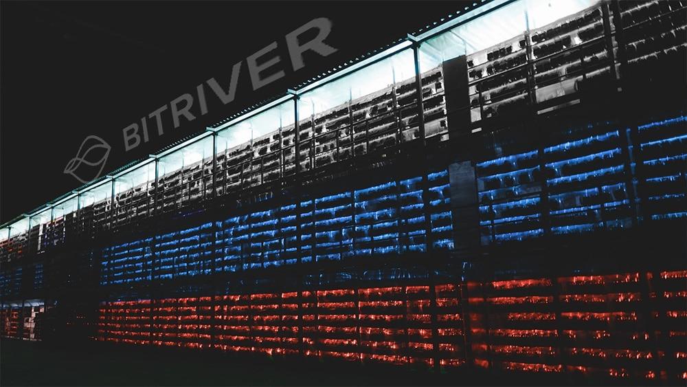 Mineros de Bitriver potenciados por energía hidroeléctrica. Composición por CriptoNoticias. Bitriver / Twitter.com; Slon.pics / Freepik.com; Bitriver / Twitter.com