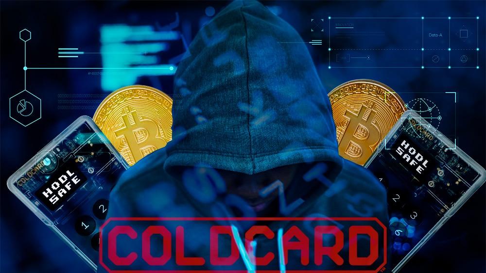Hacker con monedas de bitcoin y monederos coldcard y logo. Composición por CriptoNoticias. Cold Card / coldcardwallet.com; @COLDCARDwallet / Twitter.com; @rawpixel.com / Freepik.com.